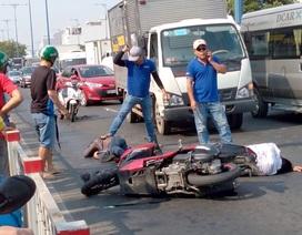 Hai thanh niên giật túi xách ngã sấp mặt trên đường tháo chạy