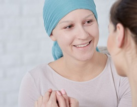 Bác sĩ mách cách khắc phục khi bị nôn, buồn nôn do xạ trị