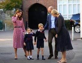 """Bữa trưa """"sang chảnh"""" tại trường học của công chúa và hoàng tử nhỏ nước Anh"""