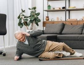 10% người già bị ngã gặp chấn thương nặng, làm gì để phòng tránh tai nạn?