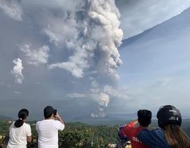 Núi lửa Philippines phun tro bụi cao 1 km, 8.000 dân được lệnh sơ tán