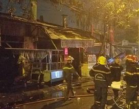 Cháy 1 căn nhà và 9 ki ốt, nhiều tài sản bị thiêu rụi
