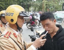 Hà Nội: Nể nang chén rượu tất niên, lái xe bị tước giấy phép 17 tháng