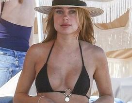 Kimberley Garner gợi cảm đi tắm biển ở Miami