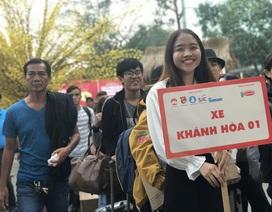 Hàng nghìn sinh viên tại TPHCM về quê đón Tết trên những chuyến xe nghĩa tình