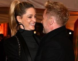 Thành viên nhóm Boyzone đưa vợ bầu dự sự kiện