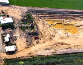 Ruộng lúa chết khô nghi do phèn từ hầm đất khai thác trái phép