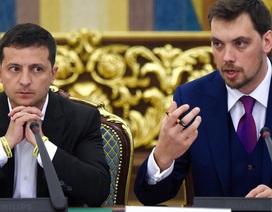 """Thủ tướng Ukraine bất ngờ từ chức giữa nghi vấn """"nói xấu"""" Tổng thống Zelensky"""