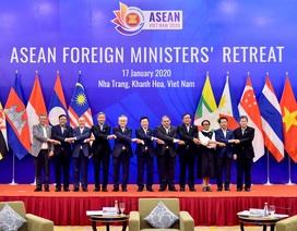Các Ngoại trưởng ASEAN quan ngại về tình trạng tôn tạo, bồi đắp trên Biển Đông