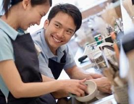 """Tranh luận: Đàn ông Việt Nam """"rửa bát, quét nhà"""" giúp vợ, có cần không?"""