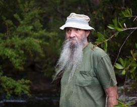 Cuộc đời người đàn ông sống ẩn dật trong rừng 10 năm vì khủng hoảng tâm lý