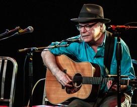 Nam ca sĩ 71 tuổi xin lỗi khán giả khi đang biểu diễn rồi... qua đời