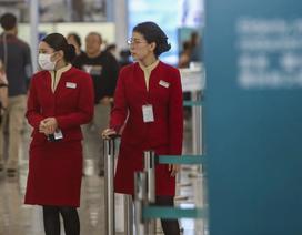 """Tiếp viên hàng không đòi đeo khẩu trang trên mọi chuyến bay giữa """"bão"""" virus lạ"""