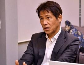 Gia hạn hợp đồng với Thái Lan, HLV Akira Nishino nhận lương cao kỷ lục