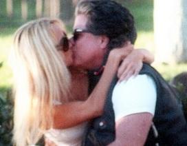 Pamela Anderson bí mật kết hôn lần thứ 5