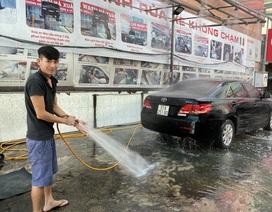 Giá rửa xe tăng gấp đôi, người Sài Gòn vẫn vui vẻ