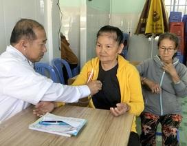 Phó Chủ tịch tỉnh 19 năm khám chữa bệnh cho người nghèo