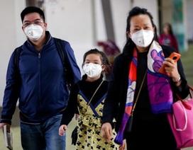 """Nhà máy khẩu trang Trung Quốc làm việc xuyên tết giữa """"bão"""" dịch viêm phổi lạ"""