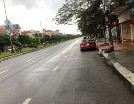 Mưa lớn kèm sấm chớp, đường phố Hải Phòng vắng hoe ngày mùng 1