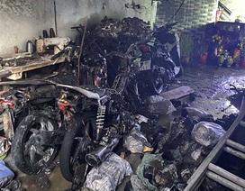 """Cảnh sát cứu 5 người kẹt trong """"biển lửa"""" ngày mùng 1 Tết"""
