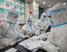 """Cảnh tượng như """"ngày tận thế"""" ở vùng tâm dịch viêm phổi lạ của Trung Quốc"""