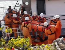 Cứu thuyền viên Thái Lan gặp nạn ngoài biển vào bờ an toàn