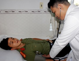 Hai đại úy công an nhóm máu hiếm, hễ được gọi là thần tốc đến... bệnh viện