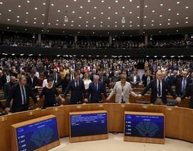 Anh và châu Âu buồn vui đan xen lẫn lộn trước giờ Brexit