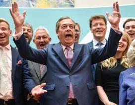 """Anh và EU chính thức """"đường ai nấy đi"""", các nghị sĩ bật khóc"""