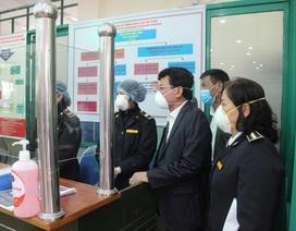Trả 9 người Trung Quốc nghi nhiễm virus Corona về nước