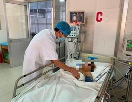Cần Thơ: Báo động đỏ toàn bệnh viện cứu bệnh nhân bị đâm thấu tim