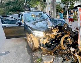 Ô tô tông xe máy, cụ ông chạy xe ôm chết, nữ tiếp viên hàng không trọng thương