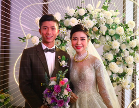 """Vừa cưới được 1 ngày, vợ tuyển thủ Phan Văn Đức thông báo """"đã có tin vui"""""""