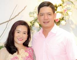 Vợ chồng Bình Minh tình tứ đầu xuân