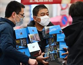 """Singapore phát miễn phí 5 triệu khẩu trang, dọa phạt cửa hàng """"đội giá"""""""