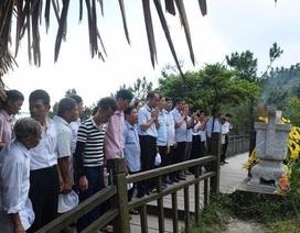 Gia đình Đại tướng Võ Nguyên Giáp tạm dừng đón khách vào dâng hương, viếng mộ