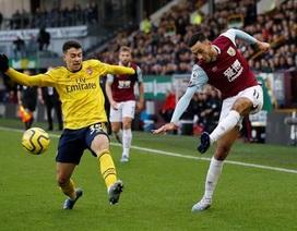 """Arsenal hòa """"hú vía"""" trên sân của Burnley"""