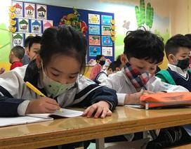 Hà Nội: Toàn bộ HS, SV nghỉ học đến 15/3 sau ca nhiễm Covid-19 đầu tiên