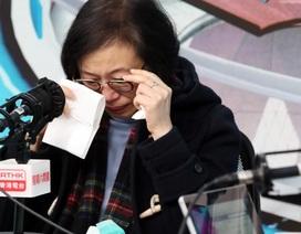 Nhân viên bệnh viện Hong Kong dọa đình công đòi đóng cửa biên giới, lãnh đạo y tế bật khóc