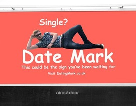 """Chi mạnh tiền dựng bảng quảng cáo trên đường, """"thánh độc thân"""" quyết tìm bạn gái"""