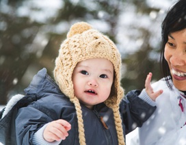 Dành cho cha mẹ: Lưu ý khi mặc đồ mùa đông cho bé