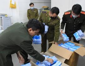 """5 ngày, Công an Hà Nội xử lý 50 cơ sở """"đội giá"""" khẩu trang"""