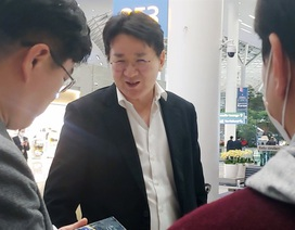 """Quan chức Korean Air hứng chỉ trích vì """"giành"""" chỗ trên máy bay sơ tán khỏi Vũ Hán"""