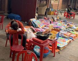 Dân buôn vừa bán hàng vừa ngủ gật, kinh tế Việt Nam ảm đạm vì corona
