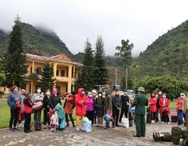 Lào Cai: Tiếp nhận 96 người Việt do Trung Quốc trả về nước