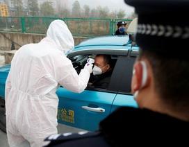 """Người Vũ Hán bị """"săn lùng"""" vì dịch viêm phổi"""
