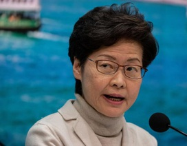 Hong Kong cách ly toàn bộ người từ Trung Quốc đại lục
