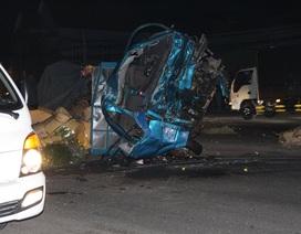 Vụ xe tải nát bét sau cú tông xe khách: 3 người tử vong