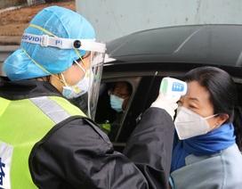 Tài xế Trung Quốc bị chỉ trích vì đeo 12 khẩu trang