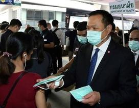 """Bộ trưởng Y tế Thái Lan dọa đuổi """"du khách Tây"""" không đeo khẩu trang"""
